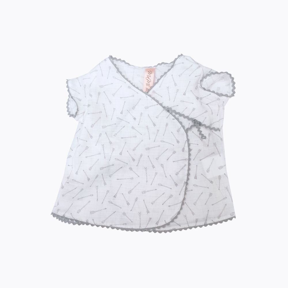 camisa cruzada gris bebé