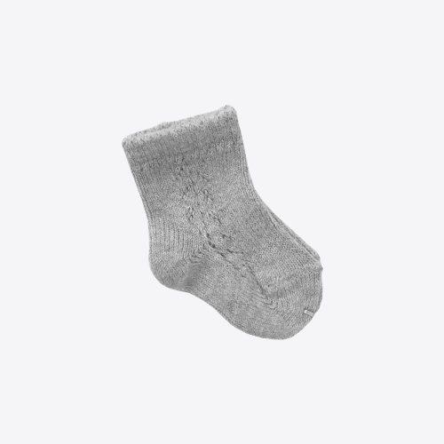 calcetin-gris-calado-mamitis